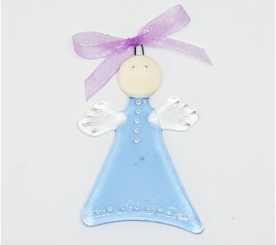 Ангелче с прозрачно синя рокля